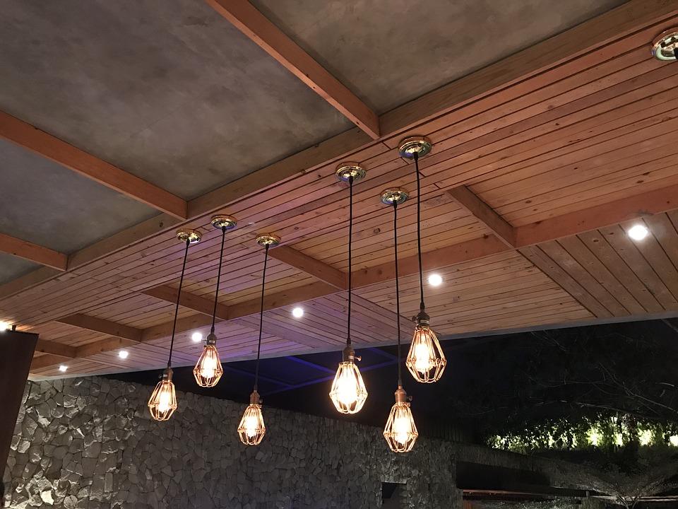 Riippuvat lamput varten tyylikäs sisustus